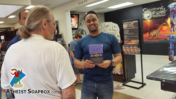 201506_AAA_Atheists_at_CreationMuseum_13