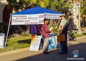 ask a muslim booth